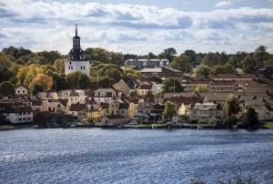 Kopfsteinpflaster, Glashütten und Kerzen. Västervik bietet dies - und vor allem das Meer! Foto: www.vastervik.com/