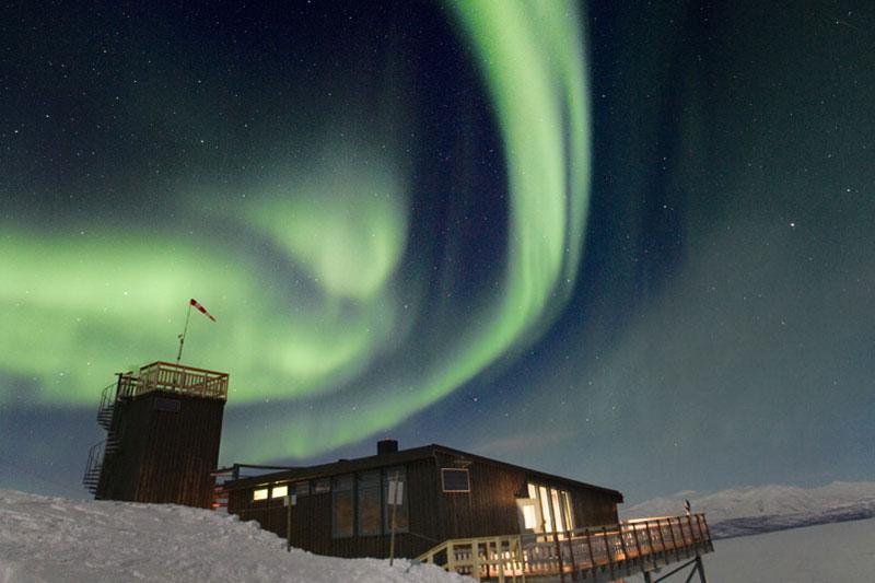 Nordlicht über der Abisko Fjällstation. Foto: Peter Rosén