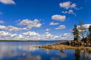 Seenlandschaft in Värmland: Der Stora Gla im Naturreservat Glaskogen im Westen der Provinz. Foto: Jörg Zipperer / commons.wikimedia.org/ (CC BY-SA 3.0)