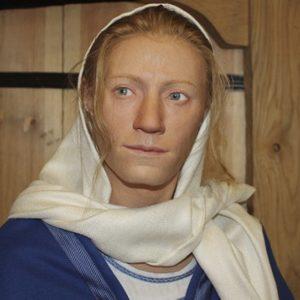 So kann Kata ausgesehen haben. Ihr Grabmal war reich geschmückt. Foto: Västergötalands Museum