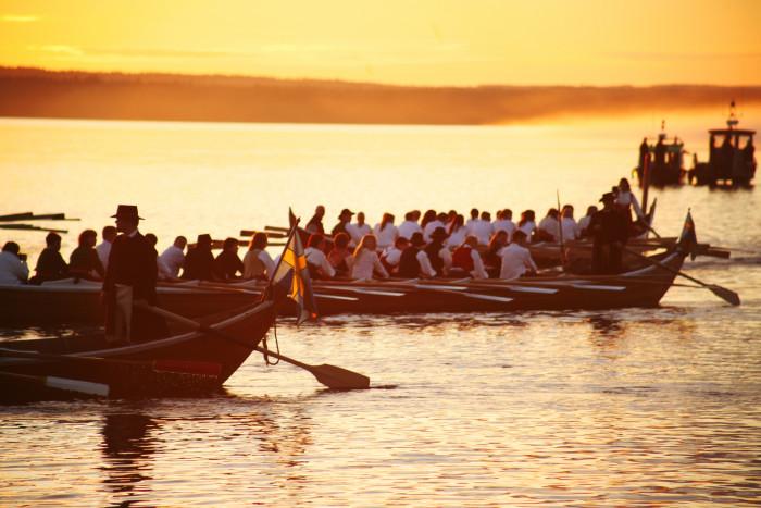 """So genannte """"Kirchenboote"""" fuhren einst jeden Sonntag über den See Siljan. Foto: www.siljan.se"""