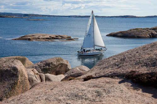 Segeln in der Schärenwelt. Foto: www.fotoakuten.se