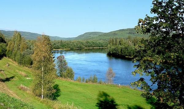 Liebliche Landschaften längs des Klarälven. Foto: Olof Senestam
