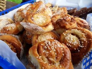 Schwedenstube-Cinnamon+buns_Fredrik+Broman_imagebank.sweden.se_-300x225