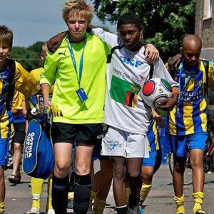 """""""11 Freunde sollt ihr sein"""" - Beim Gothia Cup begegnen sich Jugendliche aus aller Welt. Foto: Gothia Cup"""
