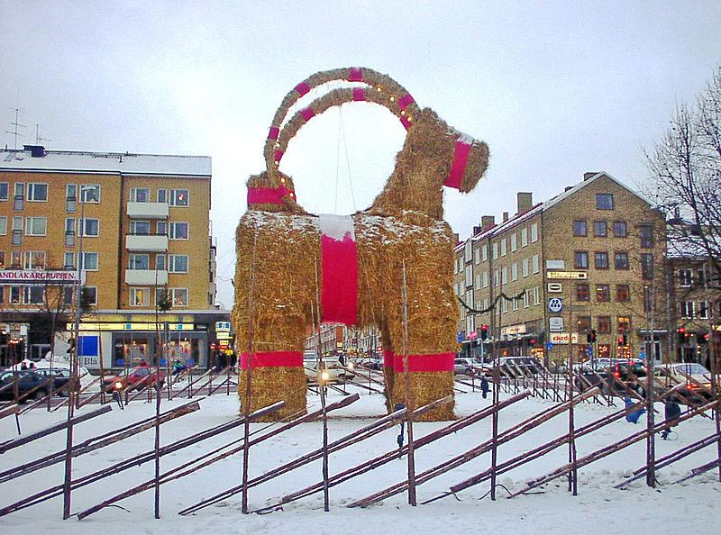 Gehört zu den bedrohten Arten: der Weihnachtsbock in Gävle. Foto: Christian Gidlöf.