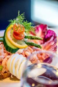 Fisch und Meeresfrüchte gehören zur Schiffsreise wie Salz zum Meer. © Stena Line