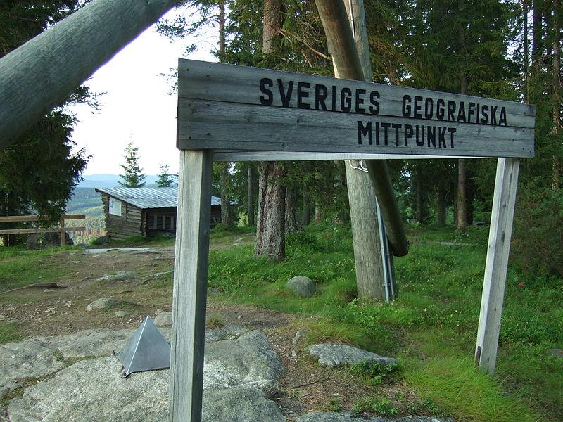 Schwedens geografischer Mittelpunkt wurdeauf dem Berg Flataklocken in Medelpad ausgemacht. Foto: Hans Lindquist / commons.wikimedia.org/