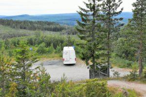 Parkplatz bei Sveriges Geografiska Mittpunkt