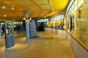 Das Innere des Gamla-Uppsala-Museum