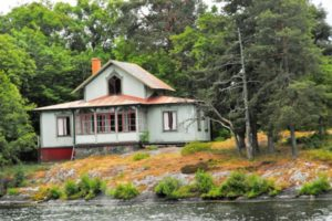 Haus auf einer Insel im Mälaren
