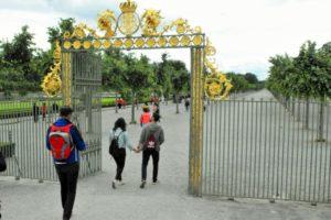 Der Eingang zum Garten von Schloss Drottningholm