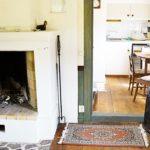 Ferienhaus in Schweden - Kamin und Küche