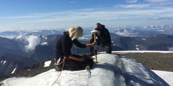 Ninis Rosqvist misst Kebnekaises Südspitze