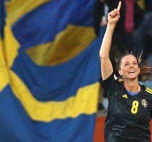 Lotta Schelin (schwedische Fussballerin) winkt ihren Fans