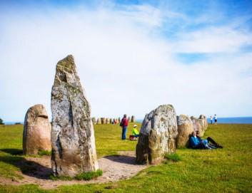 Monolithen in Schweden, Große Steine mit Touristen