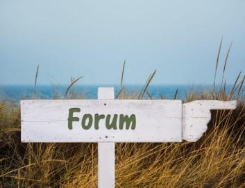 """Schild mit dem Wort """"Forum"""" darauf - Schwedenforum"""