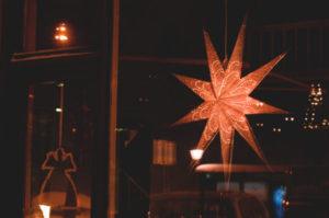 In Schweden wird am 6. Januar die Weihnachtsdekoration noch nicht wieder in die Kisten verbannt.