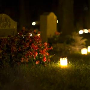 An Allerheiligen leuchten in Schweden die Gräber.