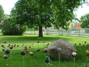 Pflanzen, Naturmaterial und Kunst in Astrid Lindgrens Gärten