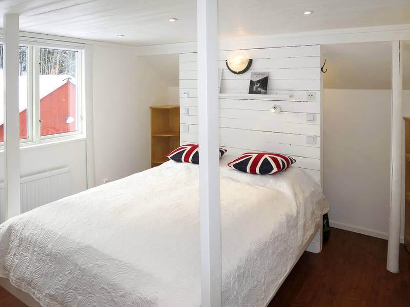 Ferienhaus Ambjoerby Schlafzimmer Doppelbett Himmelbett