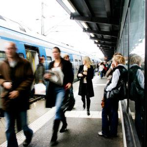 Immer mehr Menschen ziehen in die Stadt. Investitionen in den Nahverkehr sind notwendig. Foto: Melker Dahlstrand/ imagebnk.sweden.se