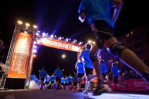 So sah es 2012 in Stockholm aus. Nun startet der Mitternachtslauf auch in Malmö. Foto: midnattsloppet, creative commons.
