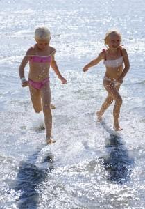 Badefreuden an Hallands Küsten. Bei richtigem Wetter ebenso schön wie an der Riviera. Foto: Ulf Huett-Nilsson / imagebank.sweden.se