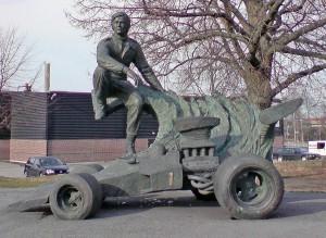 Ronnie-Peterson-Statue. Foto: Håkan Henriksson