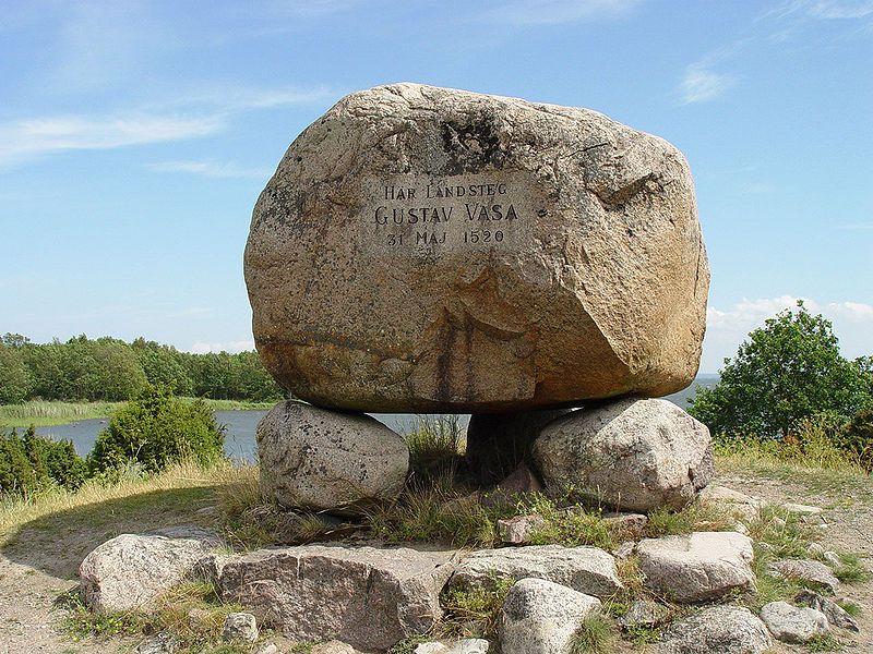 Gustav-Vasa-Gedenkstein an der Landestelle in Stensö bei Kalmar (1520). Foto: Jürgen Howaldt /http://commons.wikimedia.org/ (CC BY-SA 2.0)