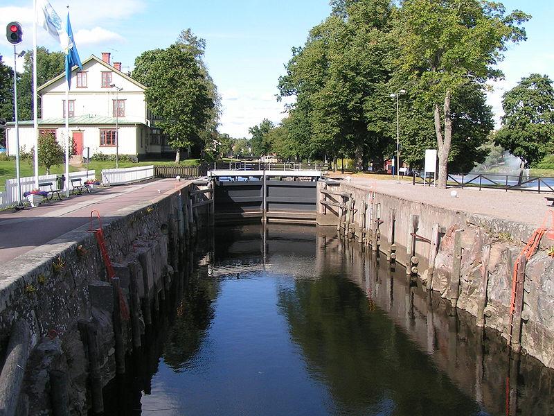 Die einzige Schleuse des Säfflekanals in Säffle. Foto: Meleagros /commons.wikimedia.org/ (CC BY-SA 3.0 DE)