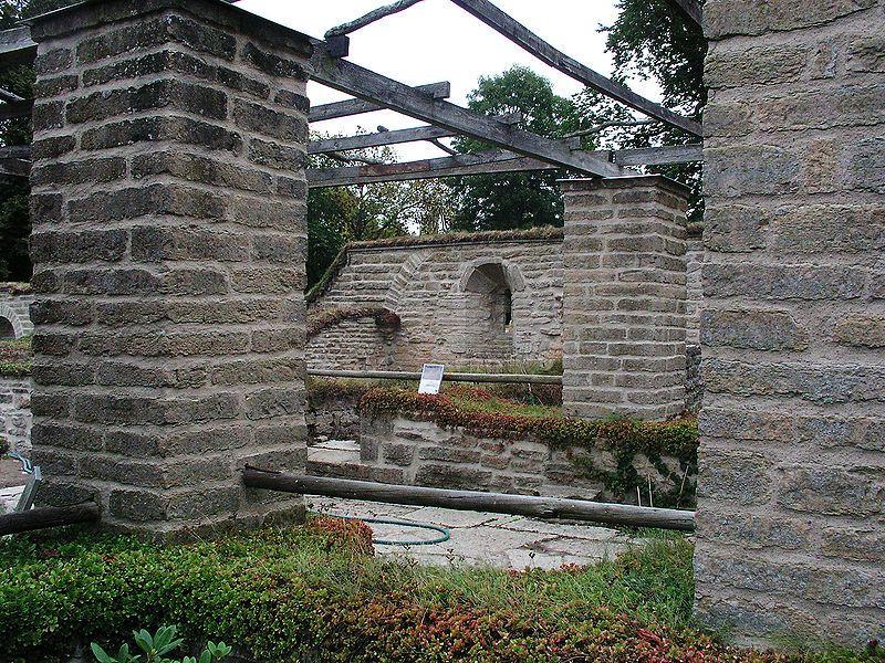 Am Klosterleden: restaurierte Überreste des Klosters Vreta. Foto: Håkan Svensson (Xauxa) /commons.wikimedia.org (CC BY-SA 3.0)