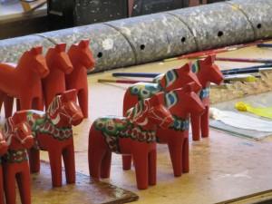 Auch die Dalarna Pferchen gehören zum schwedischen Kunsthandwerk. Fotograf: Heide