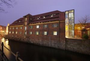 Schwedenspeicher und Alter Hafen