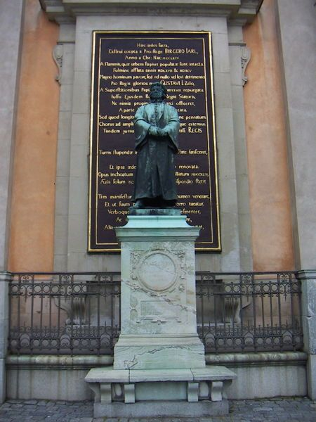 Olaus Petri Statue vor der Storkyrkan in Stockholm