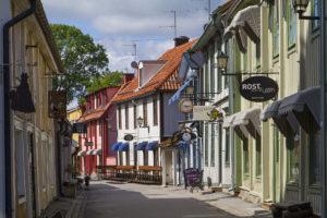 Hauptstrasse von Sigtuna. Bild aus Wikipedia. Fotograf: Brorsson