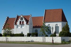 Skanörs mächtige Kirche erinnert an Zeiten, als die dänischen Herrscher auf der Halbinsel Falsterbo regelmäßig Hof hielten
