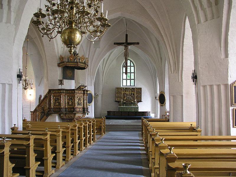Blick in die St. Laurentius Kirche in Söderköping. Hier wurde Magnus Ladulås Frau Helvig 1281 zur schwedischen Königin gekrönt. Zugleich wurden die Kirchenprivilegien in Söderköping verabschiedet. Foto: Xauxa 2003 /commons.wikimedia.org/ (CC BY-SA 3.0)