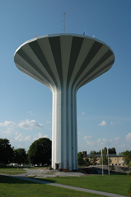 "Wasserturm Svampen, der ""Pilz"" von Örebro. Foto: Örebro kommun, Fredrik Kellén /flickr.com (CC BY 2.0)"