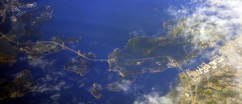 Der Tjörnbrückenweg von oben: Stenungsöbron, Källönsundsbron und Tjörnbron (von rechts nach links). Foto: Anders Sandberg (Arenamontanus) /flickr.com (CC BY 2.0)