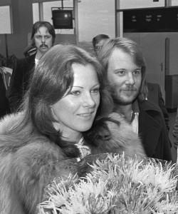 Anni-Frid Lyngstad mit Benny 1976. Foto aus Wikipedia. Fotograf: Verhoeff, Bert/Anefo