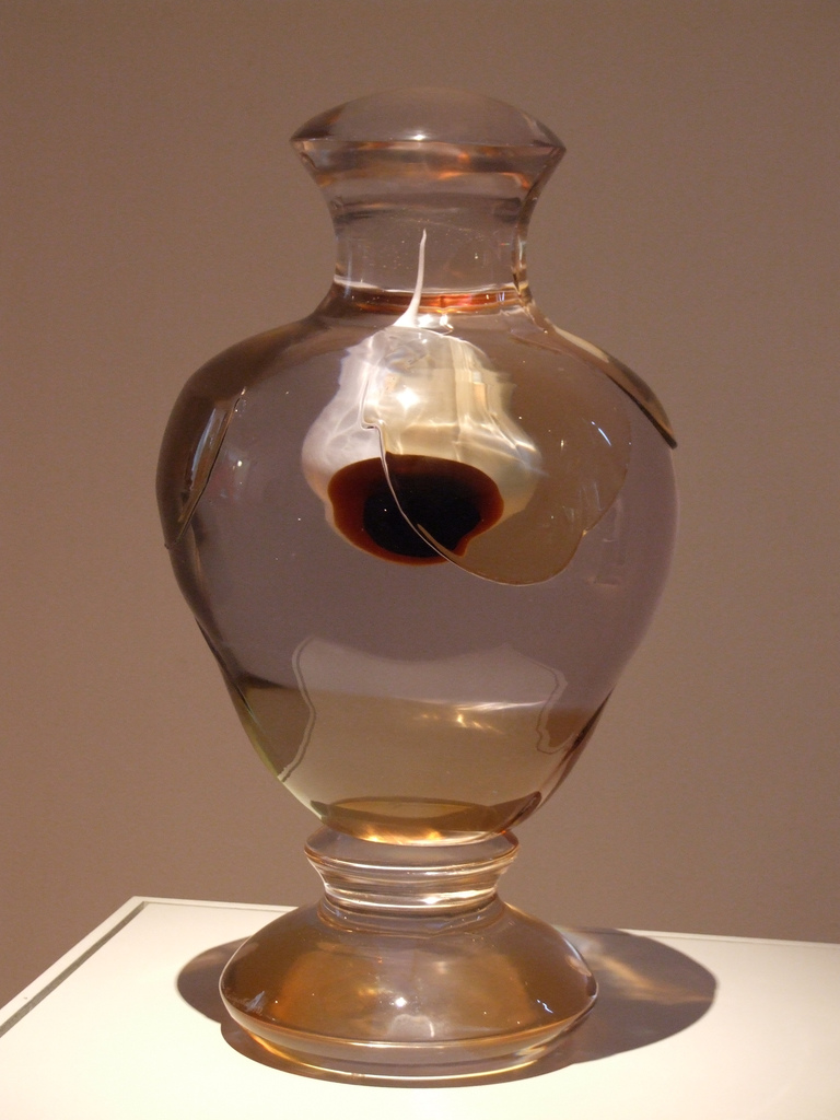 Augapfel in einer Vase, Smålands Museum, Växjö. Foto: access.denied/ Jerzy Kociatkiewicz / flickr.com, (CC BY-SA 2.0)