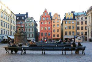 Stortorget mit seiner bekannten Fassade. Bild aus Wikipedia