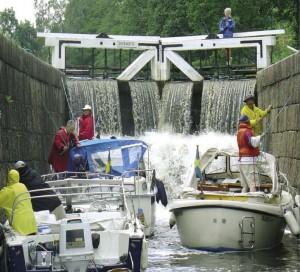 Der Strömsholms-Kanal überwindet mit 26 Schleusen 100 Höhenmeter (Foto: Strömsholms Kanalbolag)